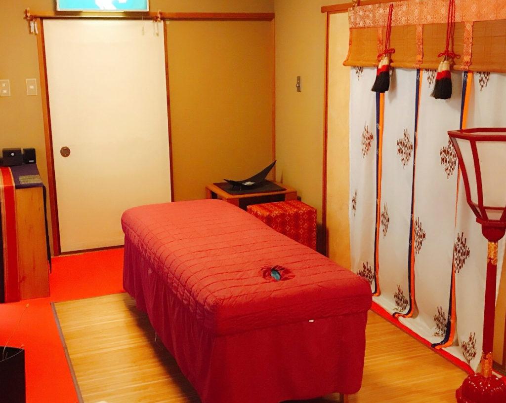 足つぼ名古屋出張を行う大阪のサロン風景