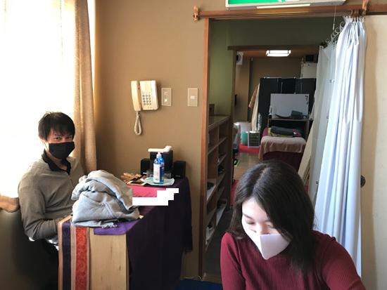 足つぼスクール大阪の復習風景